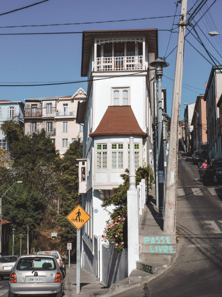 Day tours from Santiago chile Valparaiso street view