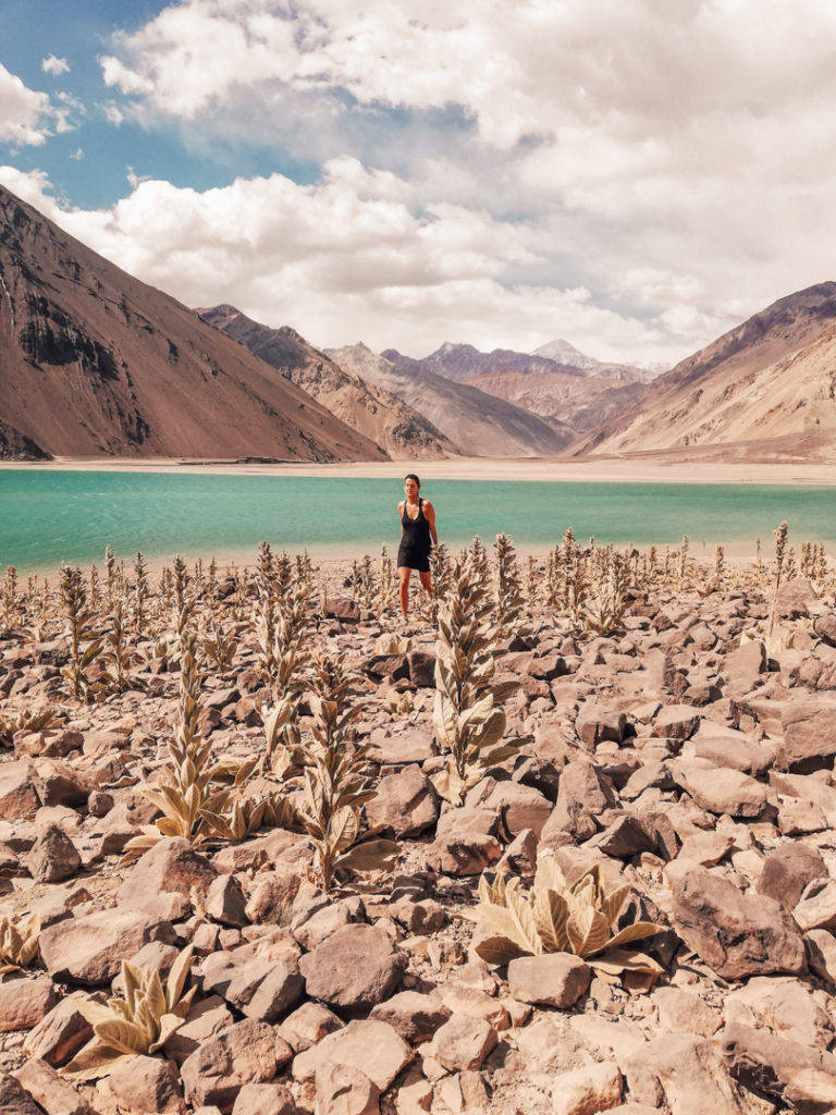 Women in Embalse el Yeso Chile