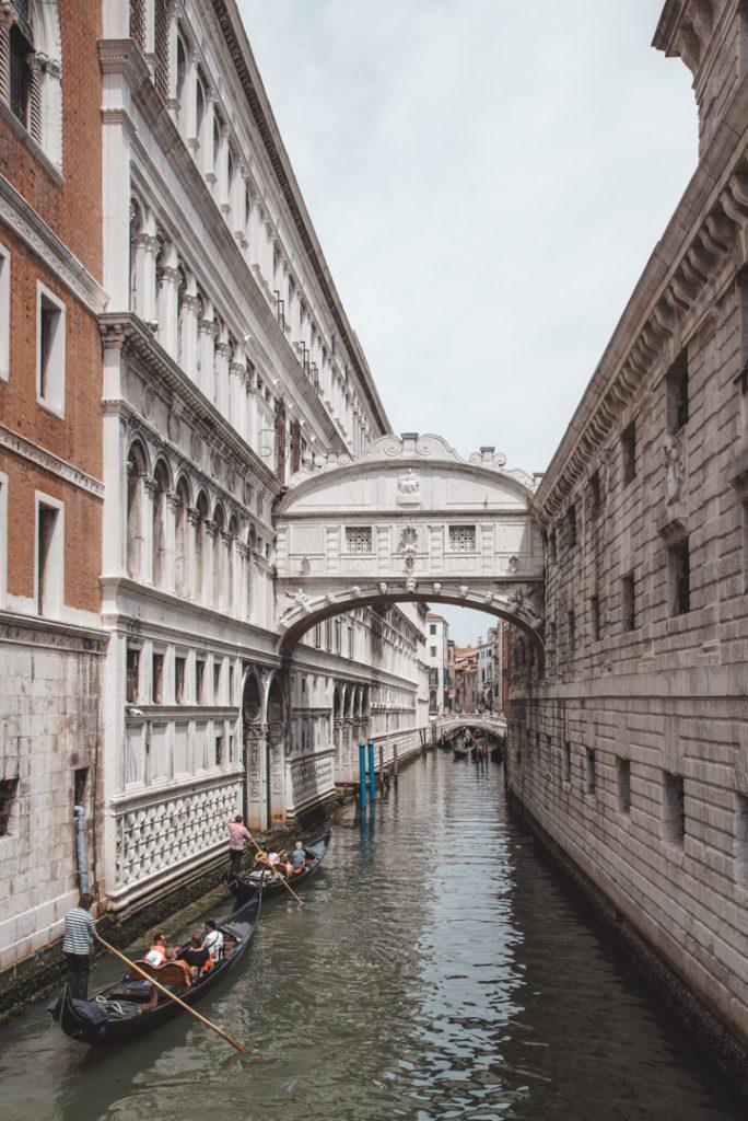 Bridge of sights in Venice, Italy