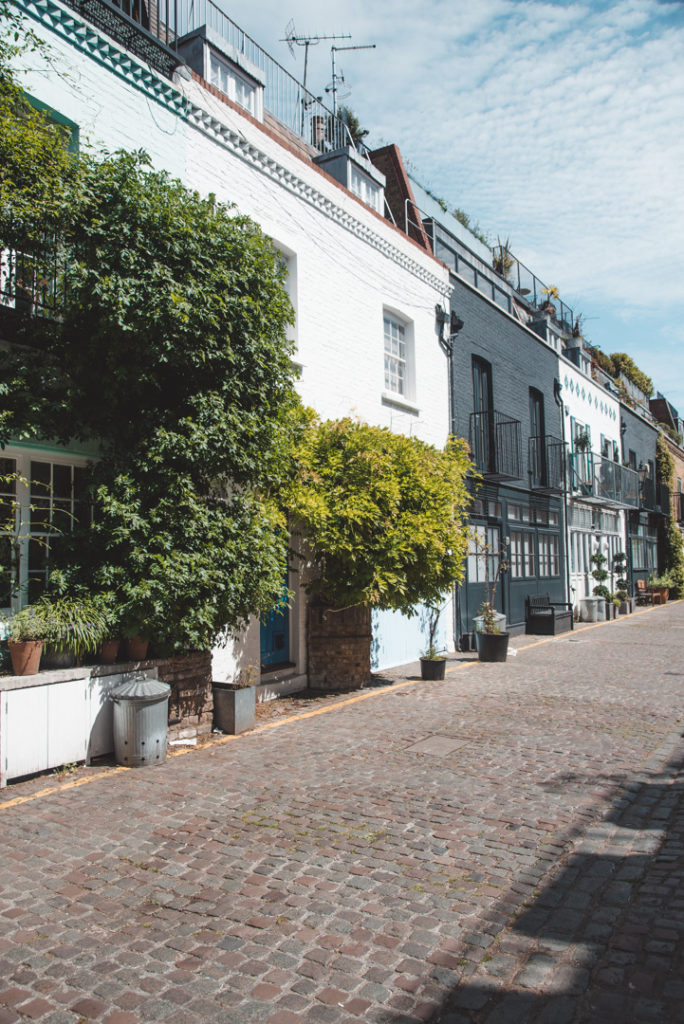 Mews in Notting Hill- colourful houses
