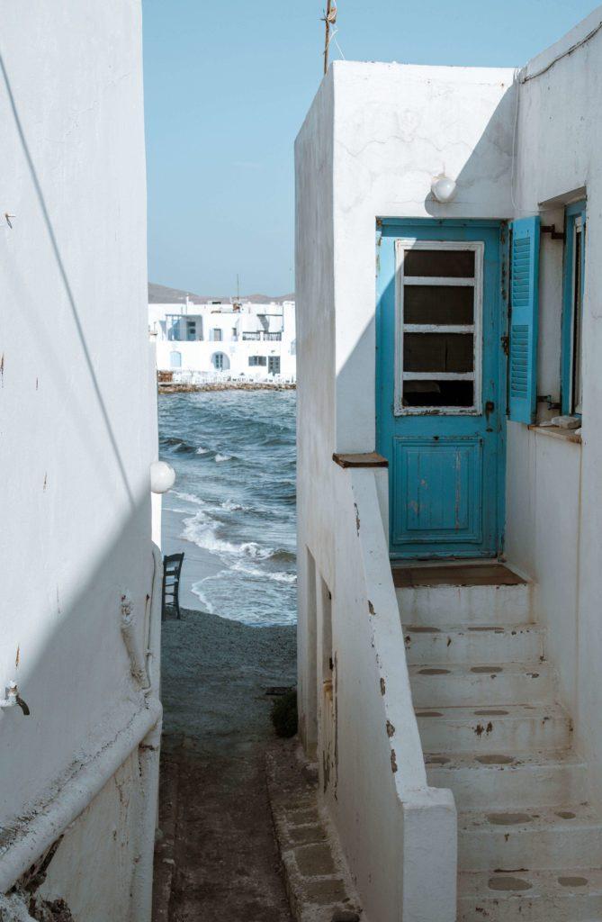 sea and Greek buildings