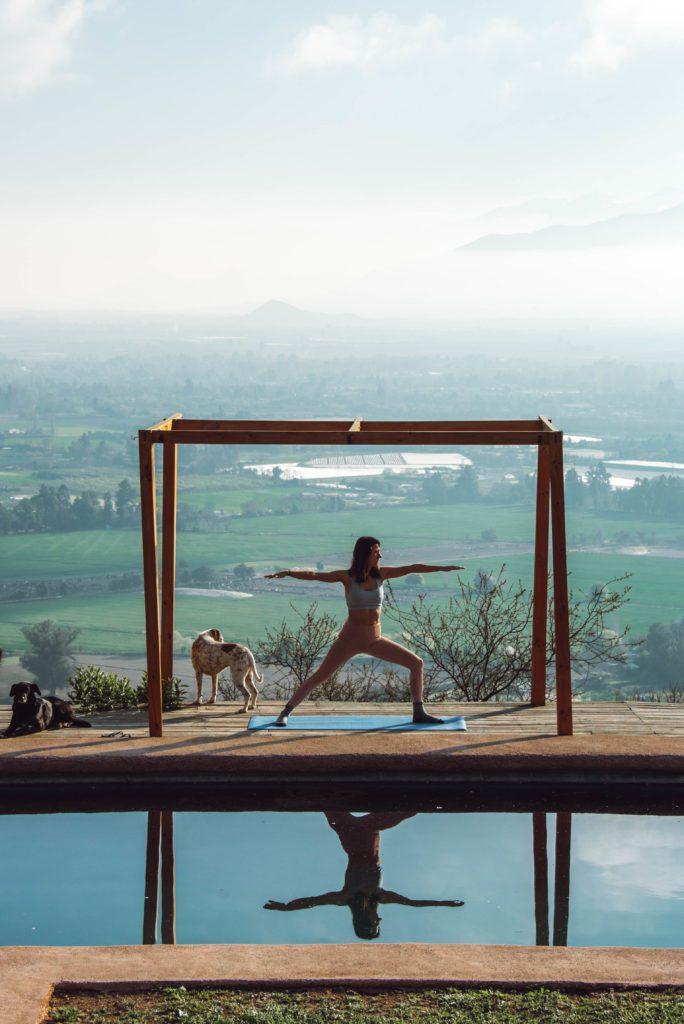 woman doing yoga with a positive mindsetmindset