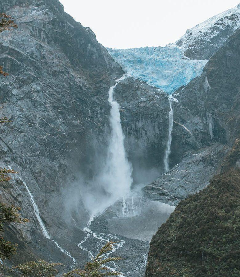 Ventisquero Colgante Glacier