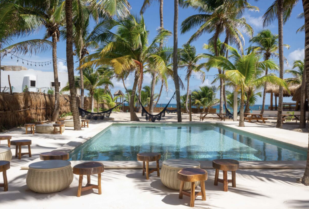 selina isla mujeres- where to stay
