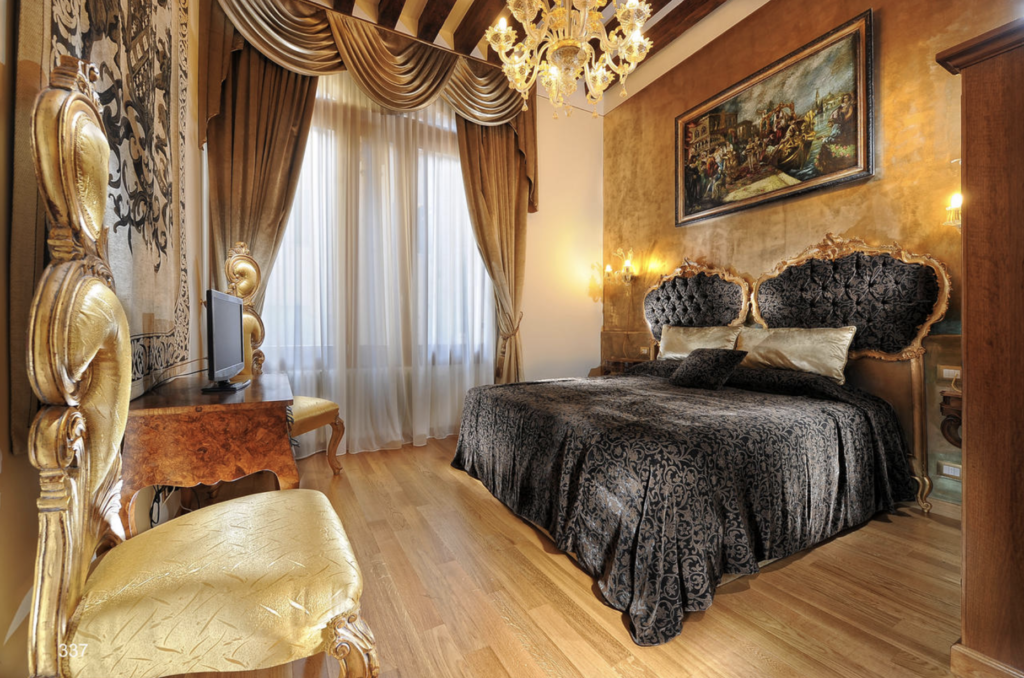 oppulent hotel room Venetian style for one day Venice itinerary