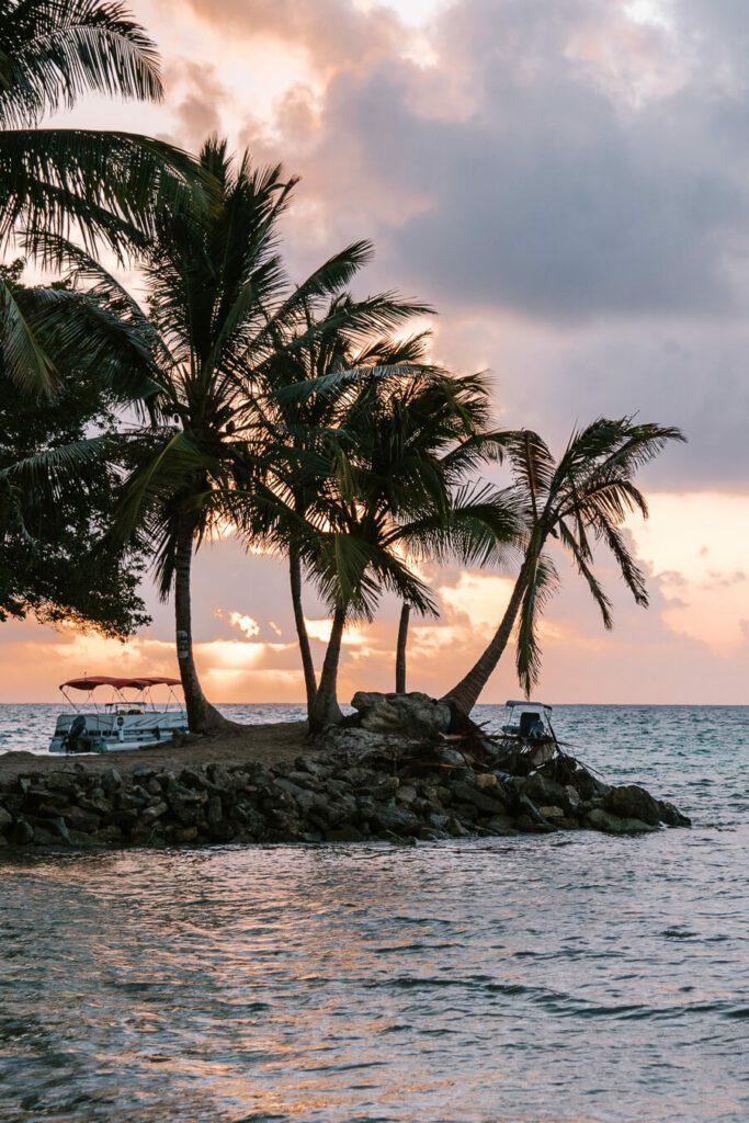 sunrise on rocky Cay beach San Andres